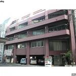 青葉区本町 貸店舗・事務所 11.98坪 入口ドアを変えるとイメージ良くなります。