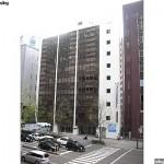 青葉区五橋 貸事務所 35.57坪 仙台駅徒歩圏内ビルの隣が大きな公園です。