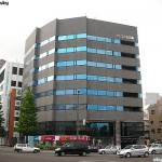 青葉区五橋 貸事務所 24.52坪 大通り交差点に立つとても斬新なビル!!